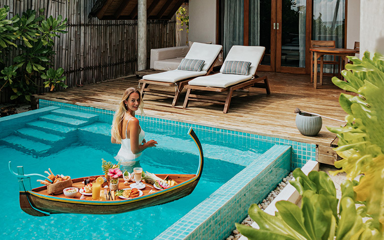 Floating Breakfast experience at Fushifaru Maldives