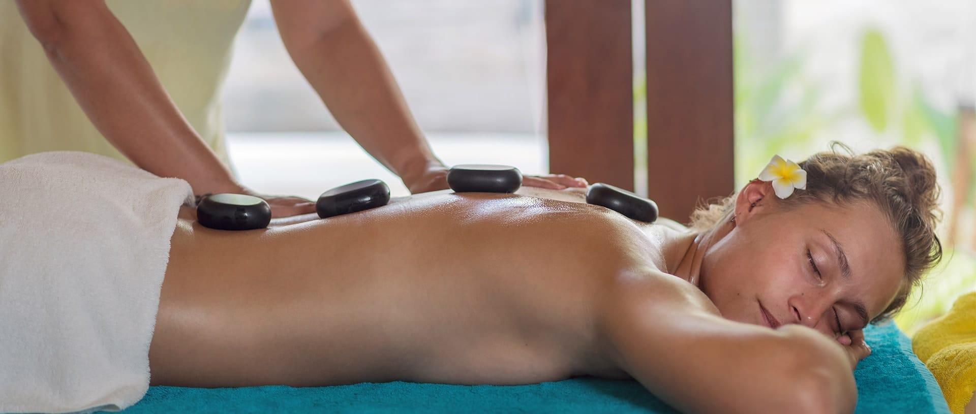 Hot Stone Massage Spa Treatment